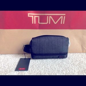 Tumi Small Kit (Charcoal)